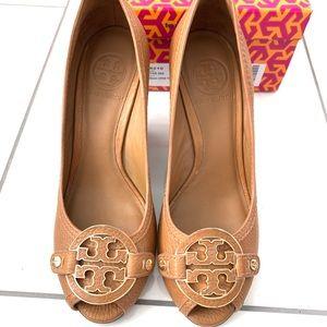Tory Burch Amanda 90mm open toe wedge leather